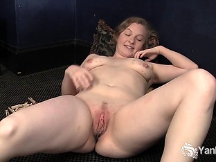 Yanks Minx Lili Sparks Plays With Clothespins