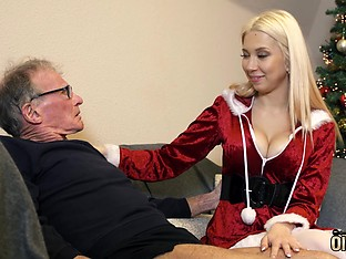 70 year old man fucks 18 year old girl she swallows cum